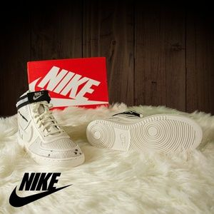 Nike Shoes - Nike Vandal Hi LX